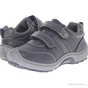 Jumping Jacks Kids Mark Shoes size 13 boys
